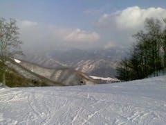 前職の人たちと日帰りで行ってきたー  天気がよく、ゲレンデも広くて雪質も良かったです  ただ、群馬のスキー場は高速おりてからが遠い・・