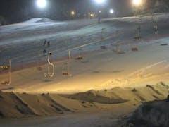仕事帰りにナイタースキーに行きました。