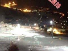 岩原スキー場のナイターゲレンデから見下ろしてます。  高速道路の街灯がきれいです。