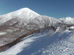 こちらもドライパウダーで極上バーンでした。 未圧雪コースは滑走跡が沢山付いてはいましたが、柔らかな雪が残っていました。