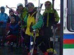 今シーズンもいよいよ始まりました。ここ五年ほどかぐらメインゲレンデでのオープンだったが、今年はみつまたにピスラボを敷設してのオープン。積雪全くなし。 雨の中、数十人というガラガラゲレンデでの滑走になりました。降雨のためかピスラボの滑走性は良かった。