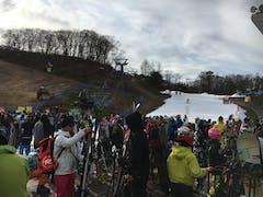 長野県の他のスキー場がオープン延期続出して、すごい人混みでした‼️