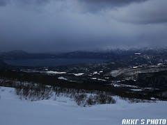 朝は田沢湖が見えたがその後雪降りに。でもそのおかげで上質な雪でした。