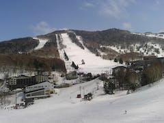 ヤケビ早朝営業の後、寺子屋・一の瀬・高天ヶ原と春スキーを堪能させて頂きました。気温高い中でもしっかり楽しめました。感謝!